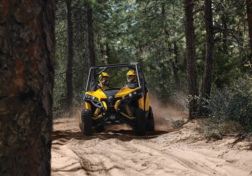 2014 Can-Am Side-x-Side Maverick X xc DPS